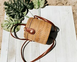 Bucket Shaped Mini Rattan Bag Straw Beach Bag Shoulder Bag