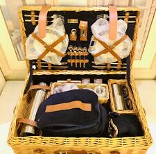 Picnic Time Windsor Picnic Basket with Service for Four Ceramic Plates Deluxe