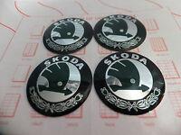 Skoda RAD NABENKAPPE Logo Sticker Abzeichen Emblem 55mm Set 4 NEU