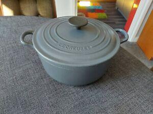 Le Creuset GREY Round Casserole 24cm POT Dish & Lid 4.2L