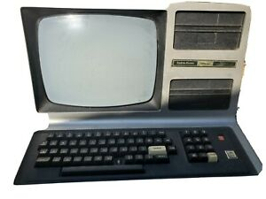 Vintage, very rare TRS-80 Model III Computer
