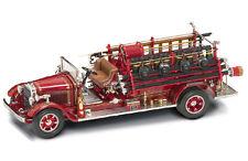 Buffalo Type 50 1932 Fire Truck 1:24 Die-Cast Model YAT MING