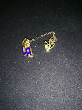 Vintage LA Goldtone Entenmann Pin