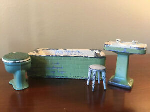 Vintage TOOTSIE TOY Doll House Furniture Green Bathroom Set Tootsietoy