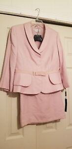Tahari Arthur S. Levine (2 Piece Garment Set )  Skirt-Blouse  Size 12 NWT