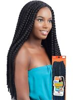 Model Model 2X  Natural Jumbo Twist Braid Lite Crochet like Havana Mambo Twist