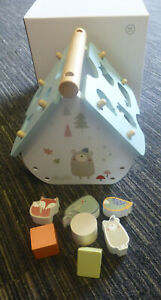 MY FIRST TOYS WOODEN SHAPE SORTER . GOOD QUALITY NEW AGES 12 MONTHS+