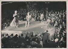 PARIS c. 1930 - Spectacle Clowns Petits Poulbots Enfants à Luna Park - PRM 263