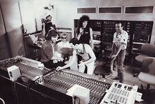 👑 QUEEN BAND 8X10 PHOTO - Freddie Mercury & Brian May in the studio!