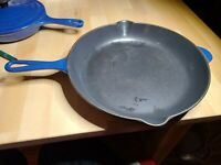 LE CREUSET #26 Cast Iron INDIGO BLUE Enamel Double Spout Skillet Fry Pan FRANCE