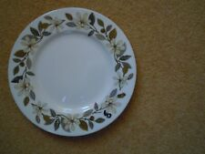"""WEDGWOOD 'BEACONSFIELD' 9"""" LUNCHEON PLATE PLAIN EDGE EXCELLENT USED CONDITION"""