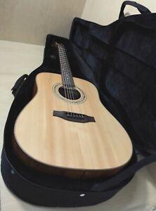 Lightweight Foam HARD Case for Acoustic Guitar – Black. 19A01