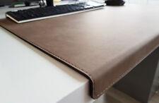 Gewinkelte Schreibtischunterlage Nubuk Leder 90 x 47 Dunkelbeige
