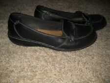 WOMENS SHOES--CLARKS SIZE 8.5
