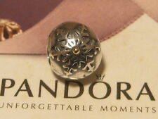 AUTHENTIC PANDORA GOLD 14CT & SILVER SNOW FLAKE CLIP CHARM 791232