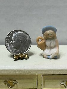 Vintage Artisan RW '83 Tiny Bisque Little Girl & Hat Dollhouse Miniature 1:12