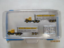 """TMT - """"Transition Era"""" Tractor/Trailers 2-Pack w/International R-190"""