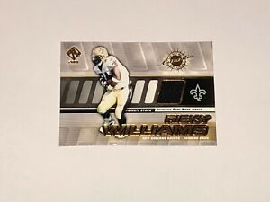 2001 Private Stock #104 Ricky Williams Jersey Card Pacific