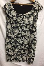 BCBGeneration Short Sleeve Shift Dress Size 8 Black White Pattern AA11