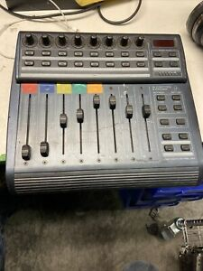 Behringer B-Control Fader BCF2000 Total-Recall USB/MIDI Controller G2 (k)