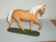 "Sammlung, Hobby, Pferd ""TENNESSEE WALKING"" aus Keramik NEU & OVP # 26"
