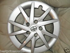 "NEW 2012-14 Toyota Prius V  16 "" Wheel Cover - Hub Cap - OEM Never Installed"