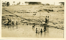 Burma, Children fishing  Vintage silver print. Birmanie  Tirage argentique d&#