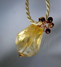 Echte Edelstein-Halsketten & -Anhänger aus Gelbgold mit Briolett und Glück