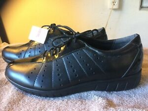 Munro American $150 Women Loafers Casual Shoes Laces Up Black Size 7M NEW