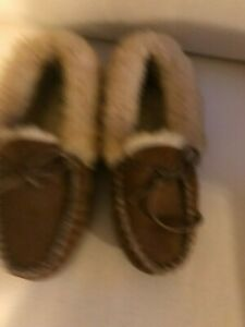 LL Bean Womens Brown Wicked Good fur Slipper Moccasins Size 7 M