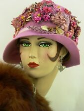 VINTAGE HAT ORIG 1920s CLOCHE PINK LILAC FELT w RIBBON WORK & MILLINERY FLOWERS