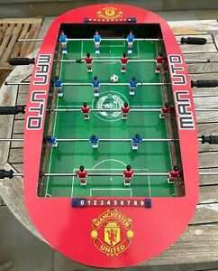 MANCHESTER UNITED RARE TABLE TOP FOOTBALL GAME 34INS X 27INS X 4INS MAN CAVE VGC