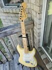 Fender Deluxe Roadhouse Stratocaster Mexico 2013 Yellow