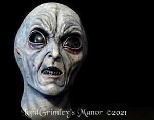 NEW Area 51 Evil Invader Halloween Mask Horror Cosplay Scary Monster Scifi