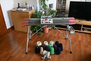 Passap duomatic knitting machine very little use
