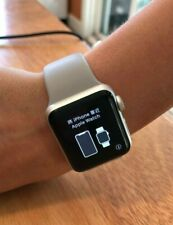 Apple Watch Series 3 38mm Aluminium Case with Gray Sport Band GPS great cond.
