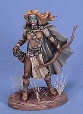 DARK SWORD MINIATURES - DSM7418 Female Blind Warrior