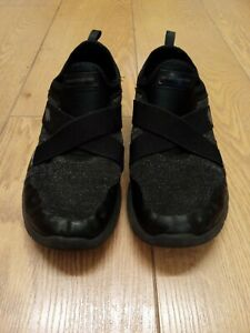 Womens Skechers Size 6 Black air cooled