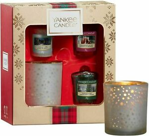Yankee Candle 3 Votive Candles & 1 Holder Christmas Collection Festive Gift Set