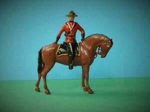 BRITAINS LEAD ROYAL CANADIAN MOUNTED POLICE OFFICER RCMP MOUNTIE #2066 VNM