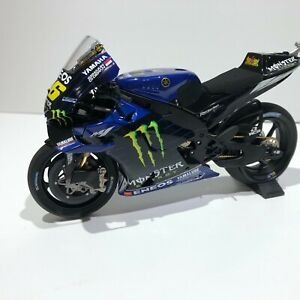 MINICHAMPS YAMAHA YZR-M1 V. ROSSI MONSTER ENERGY 1:12 SCALE DIECAST NEW IN BOX