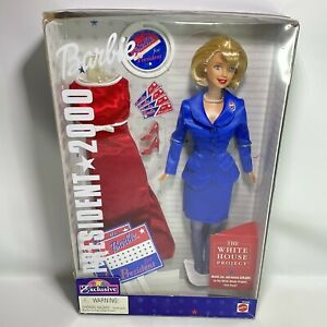 Barbie for President 2000 Blond #26288 ToysRUs Exclusive - Mattel - New In Box