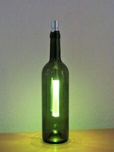 Leuchtobjekt - Leuchtflasche grün mit LED Stablampe - Mit Batterien