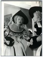Paris, Comédie française, Annie Ducaux  Vintage silver print Tirage argentique