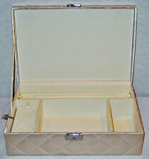Discontinued Bombay Deluxe Baby'S Cream Quilted Locking Keepsake Box New In Box