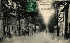 CPA  Neuves-Maisons - Rue de Neufchateau  (484311)