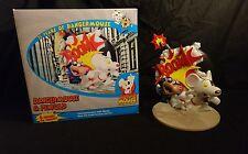 Danger Mouse y explosión De Resina Estatua Penfold - 25th aniversario