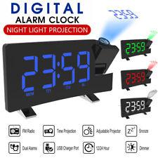 Digital USB Radiowecker mit Projektion Uhrenradio FM LED Alarm Tischuhr I8X5