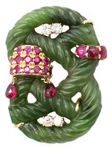 SEAMAN SHEPPS 1950'S BROOCH IN 14 KT WITH NEPHRITE AND 4.20 Ctw DIAMONDS & RUBY