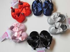 BABY GIRL PATENT TYPE PRAM SHOES WITH MATCHING BOW